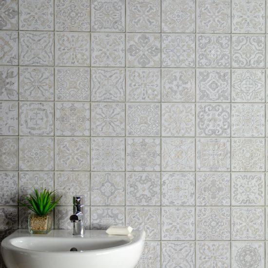 Grey tile effect sq2