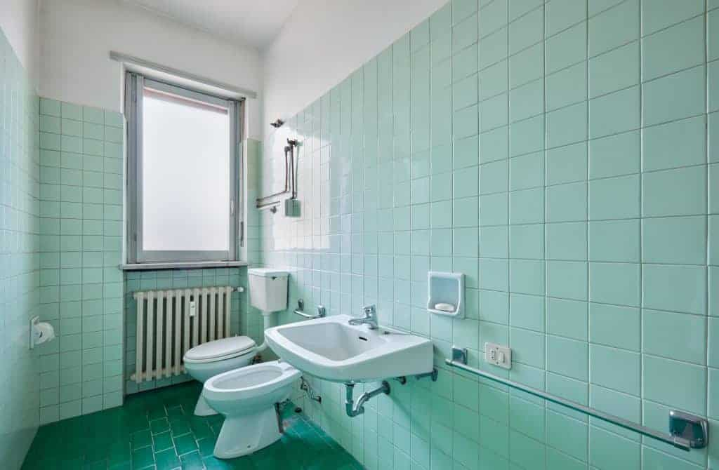 How To Cover Tiles Ly 7 Clever, Old Bathroom Tile
